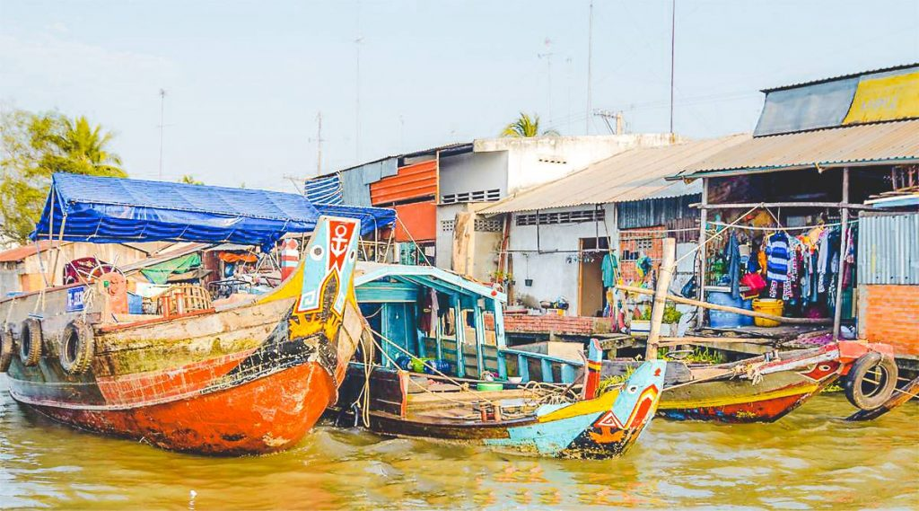 Cai Be floating market Mekong Delta tour