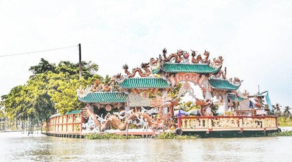 Island hopping by speedboat in Ho Chi Minh City