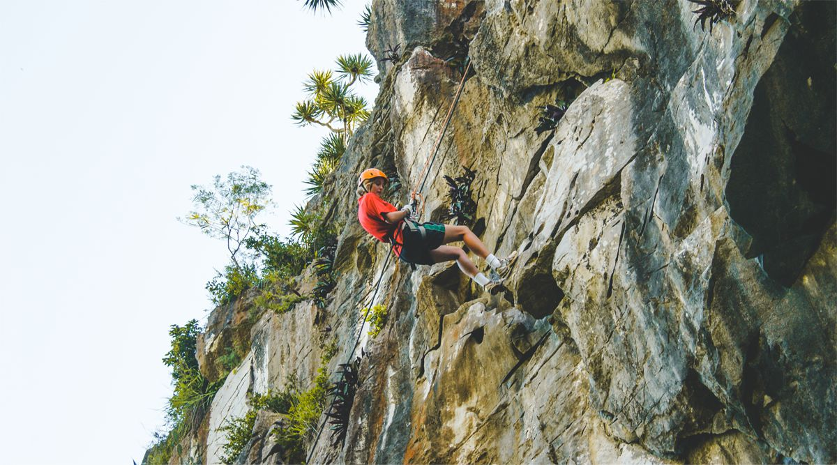 Marble Mountain abseiling