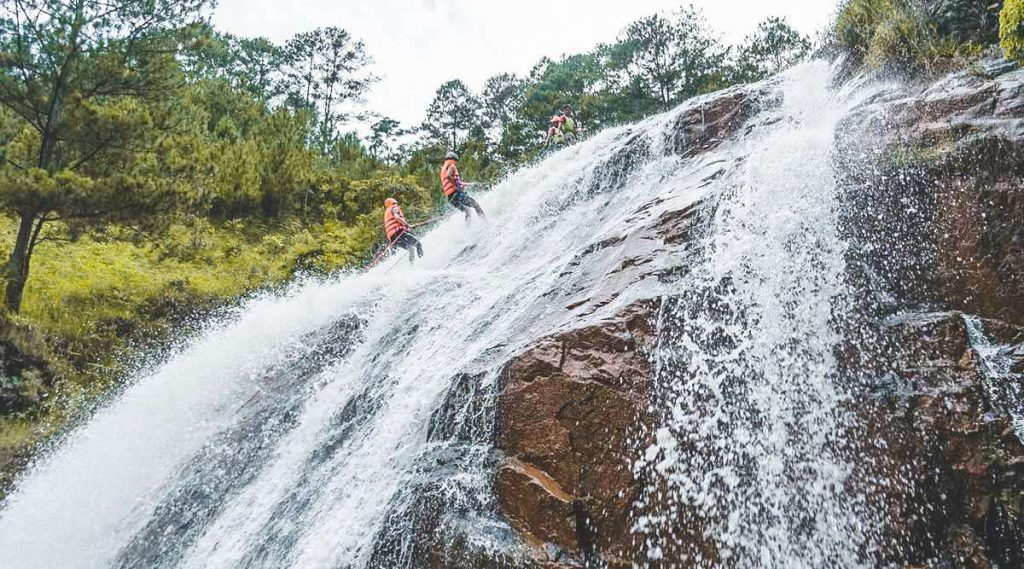 canyoning Danatla waterfall