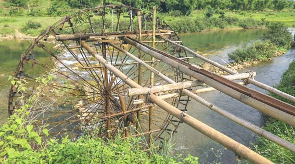 Pu Luong water wheel