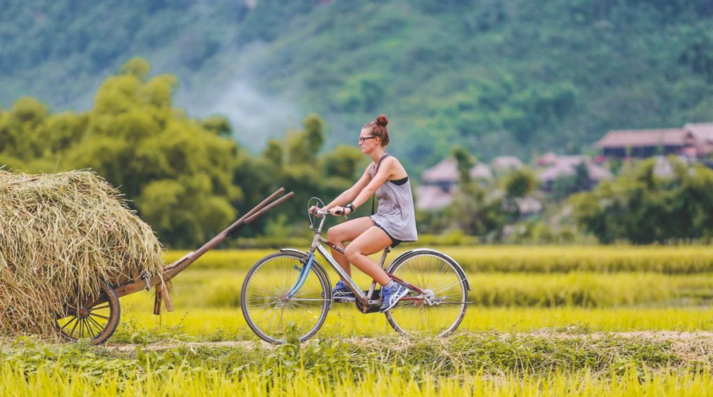 Cycle through Mai Chau countryside